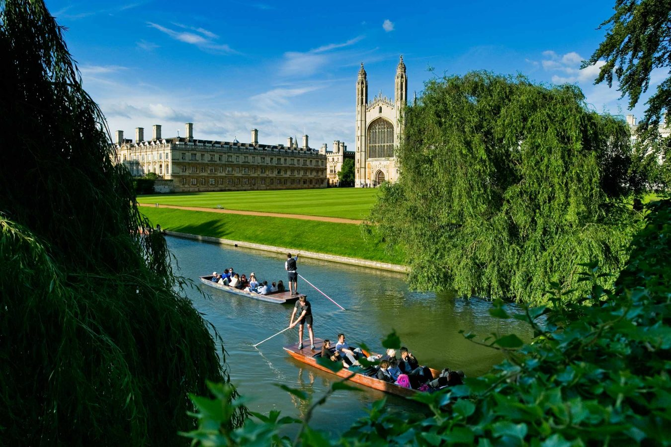 kings-college-university-of-cambridge-river-chapel