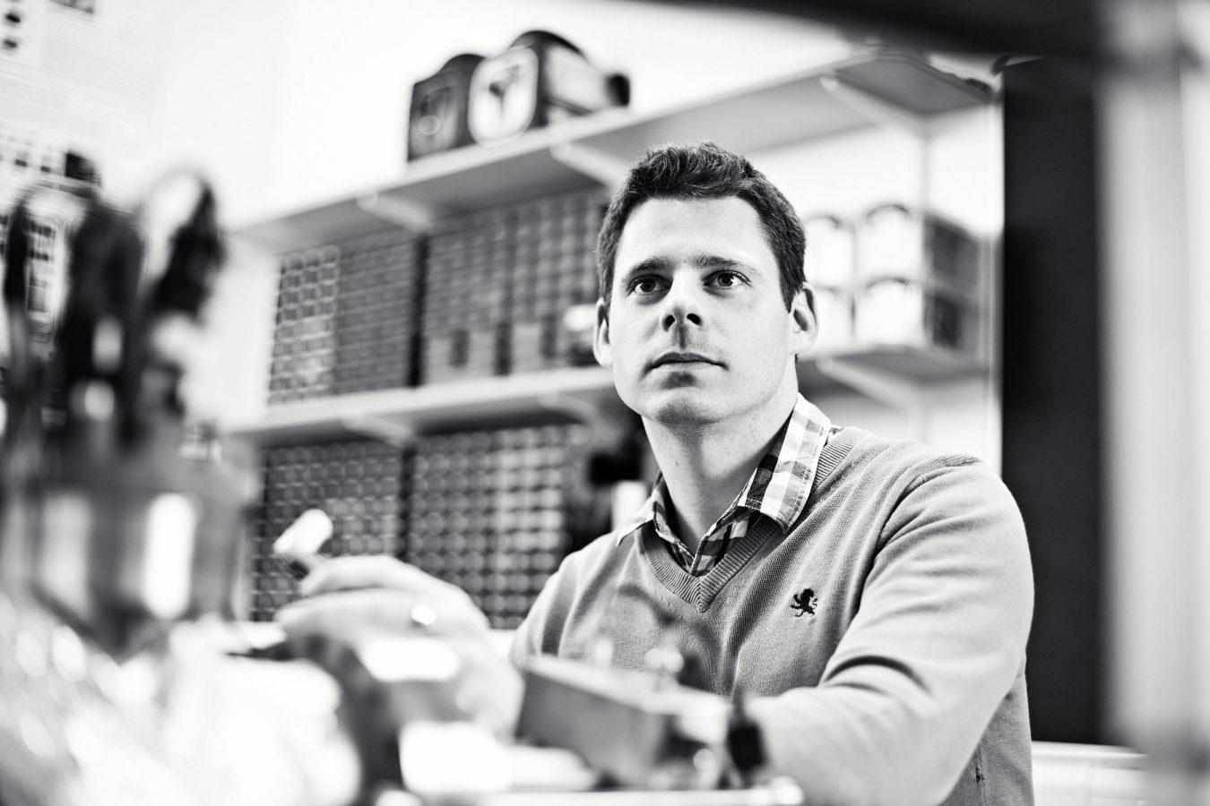 university-of-cambridge-lab-photography-portrait-black-and-white