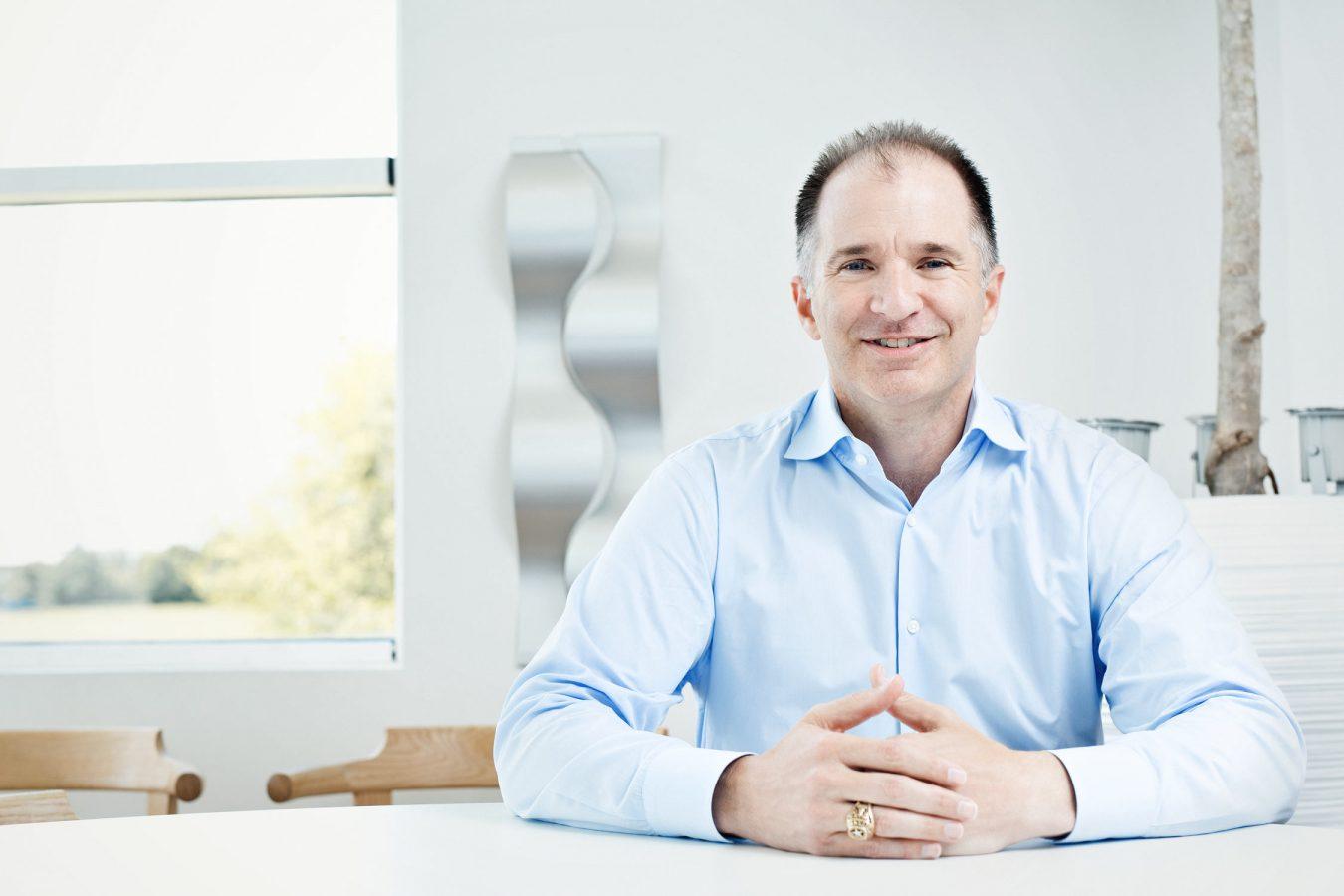 senior-executive-portrait-moller-center-cambridge