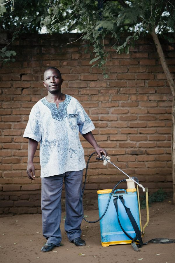 editorial-photography-portrait-malawi-gardener-namisu
