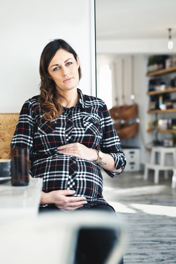 ieso-advertising-photography-pregnant-woman-cofifteen-cambridge