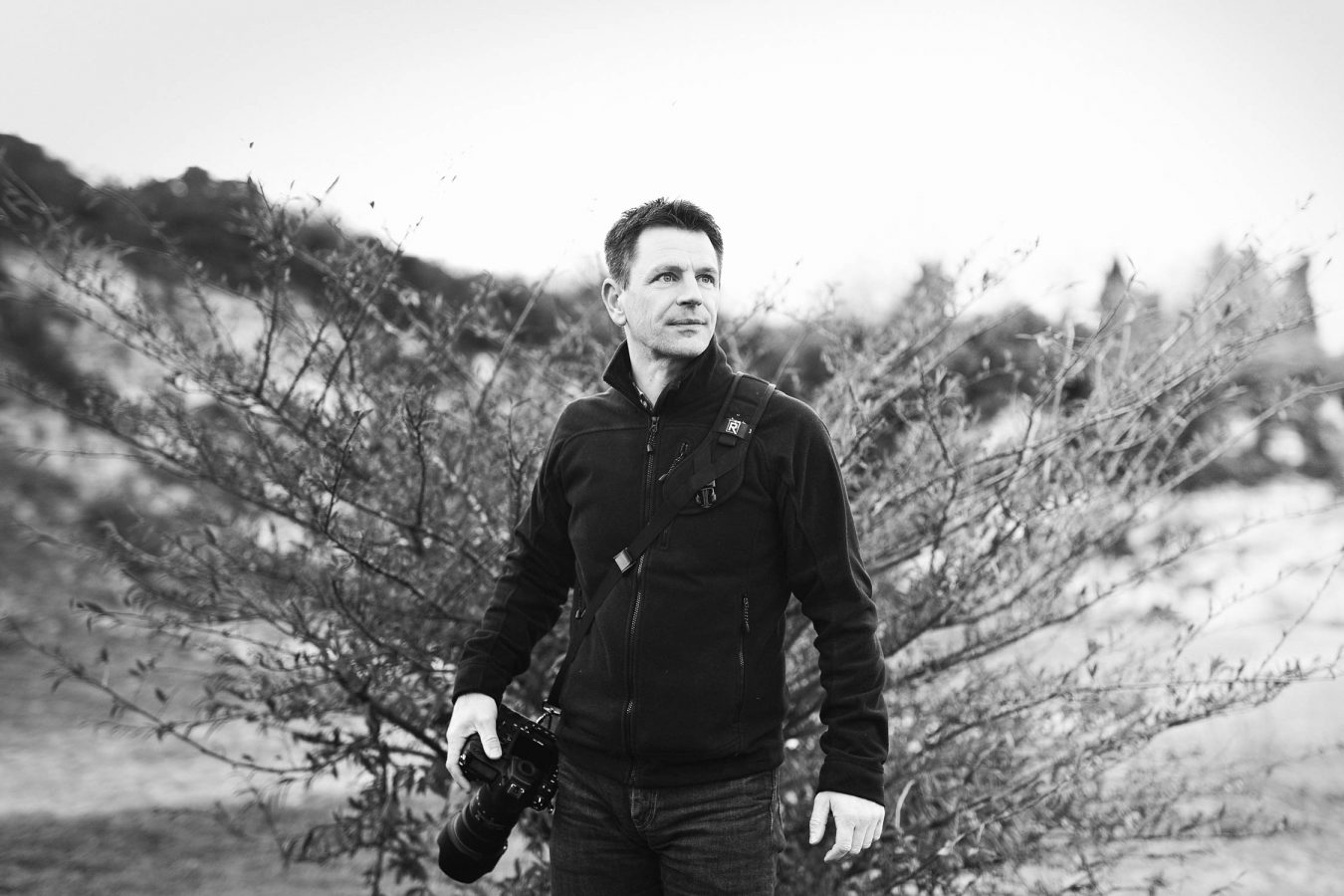 black-and-white-location-lifestyle-portrait-photographer