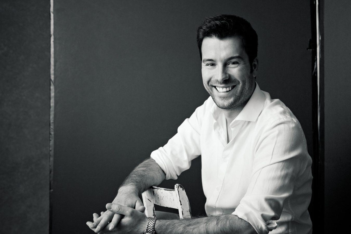 modern-black-and-white-businessman-portrait