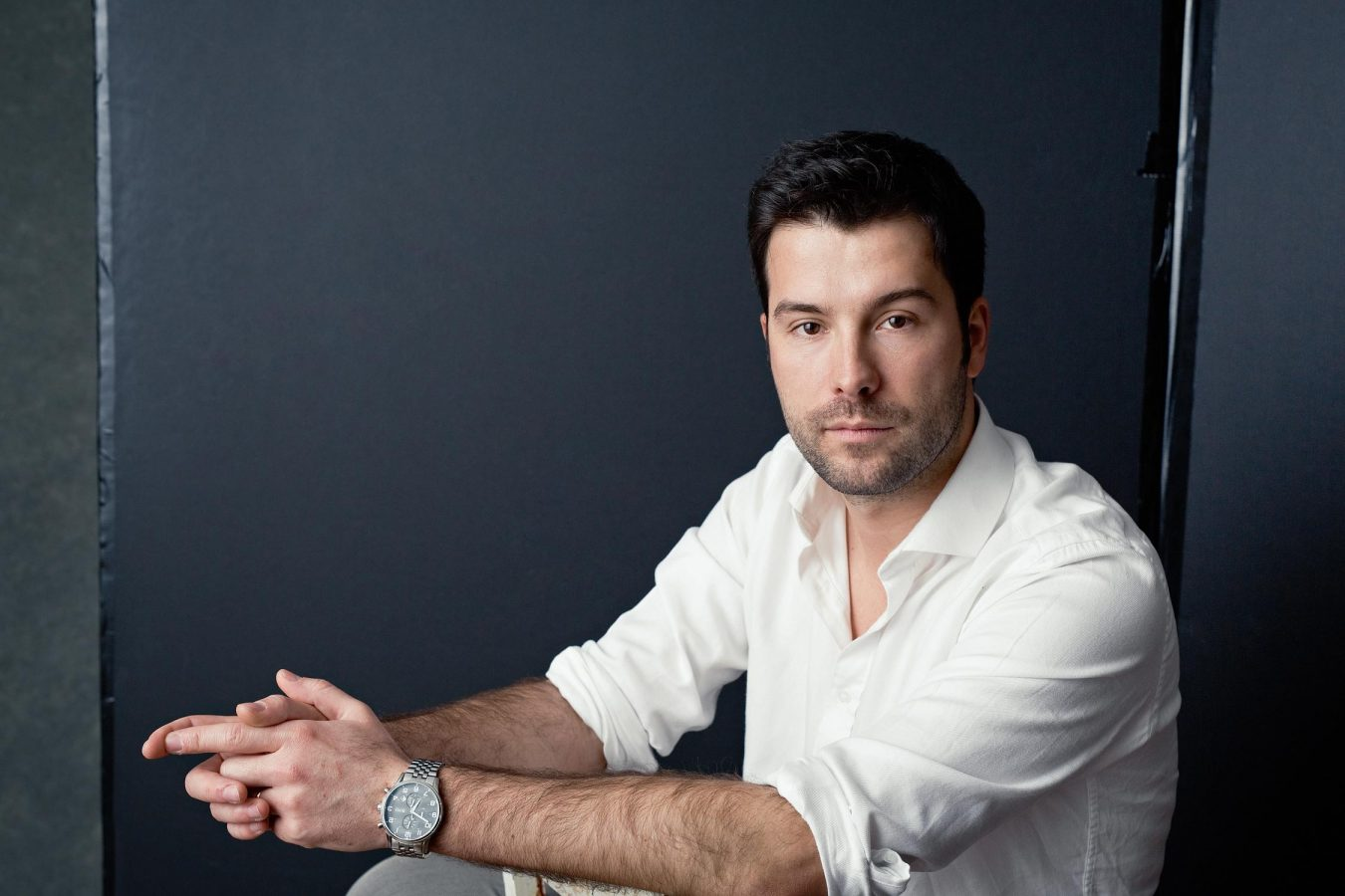 modern-studio-male-portrait